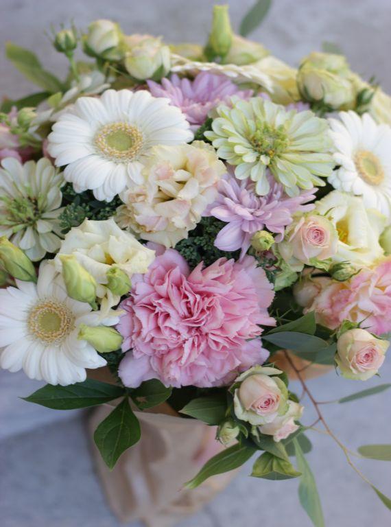 Pastelne lillekimp, lilled, lillekimp, kimp pakendis