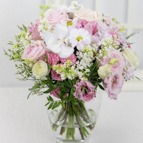 Naiselikult roosa - Kolm Lille lillepood