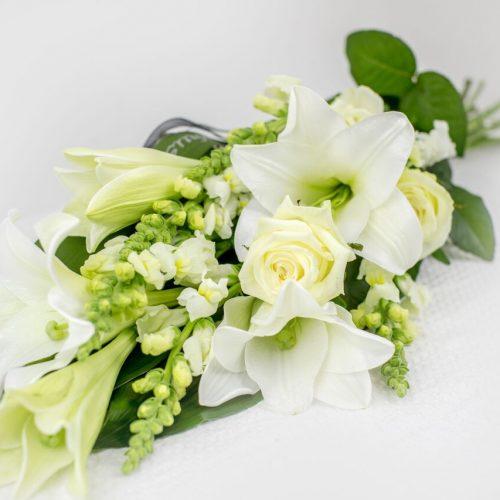 Käsilienakimp valgete lilledega - Kolm Lille lilledpood
