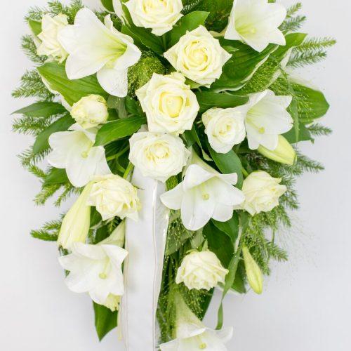 Leinakimp liiliate ja roosidega- Kolm Lille lillepood