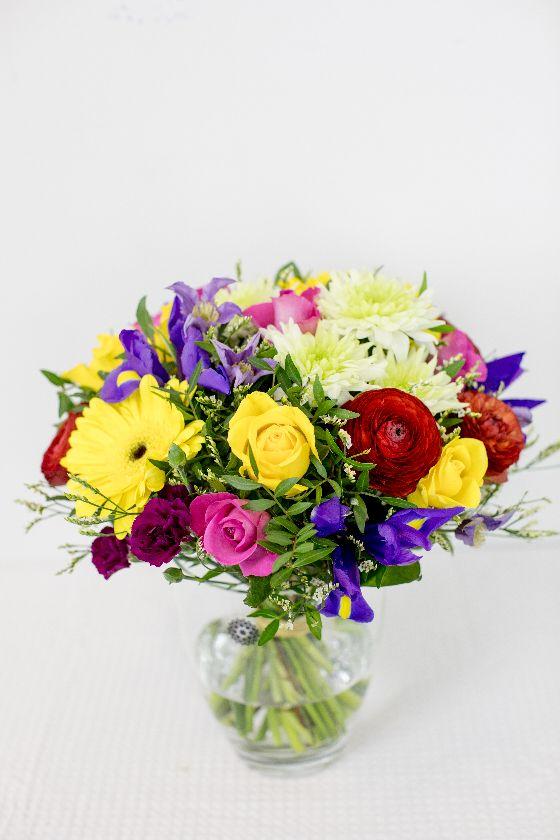 Värviline lillekimp - Kolm Lille lillepood