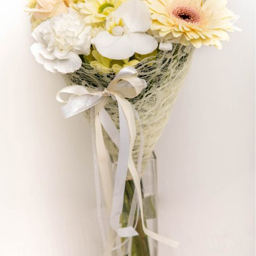 Kreemikas lillekimp - Kolm Lille lillepood